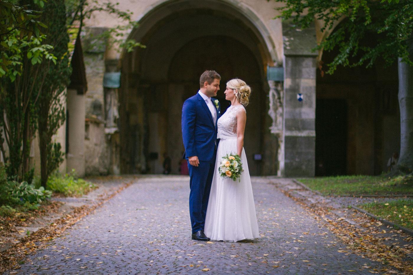 Hochzeit-von-Miriam-&-Michael---Sankt-Emmeram---012.jpg