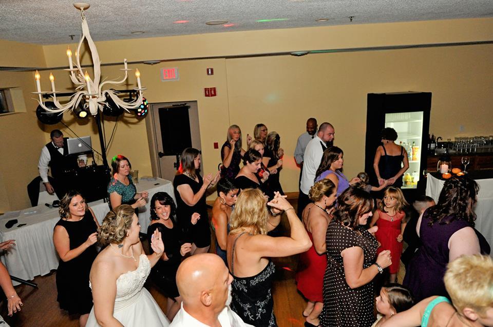 Packed Dance Floor.jpg