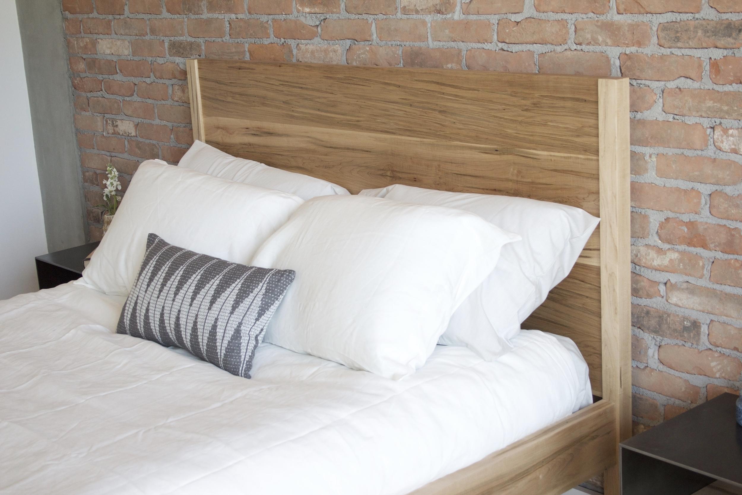 Ambrosia richardson Wood Bed