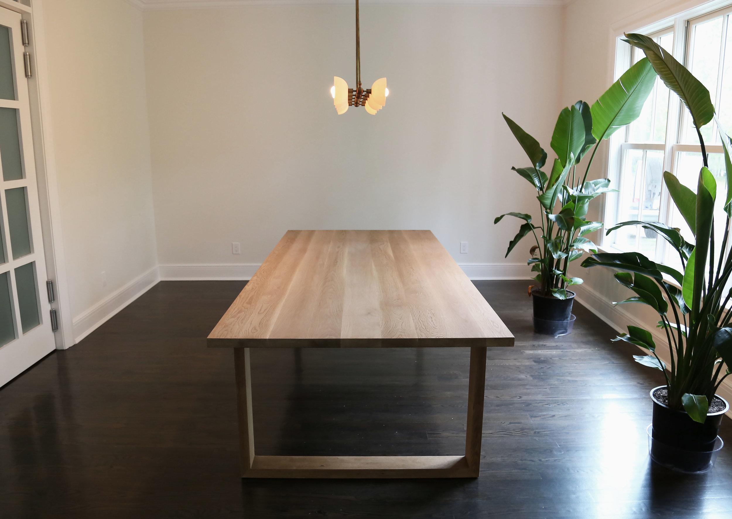 Oak_square_table_hamptons_Oliver_1.1copy.jpg