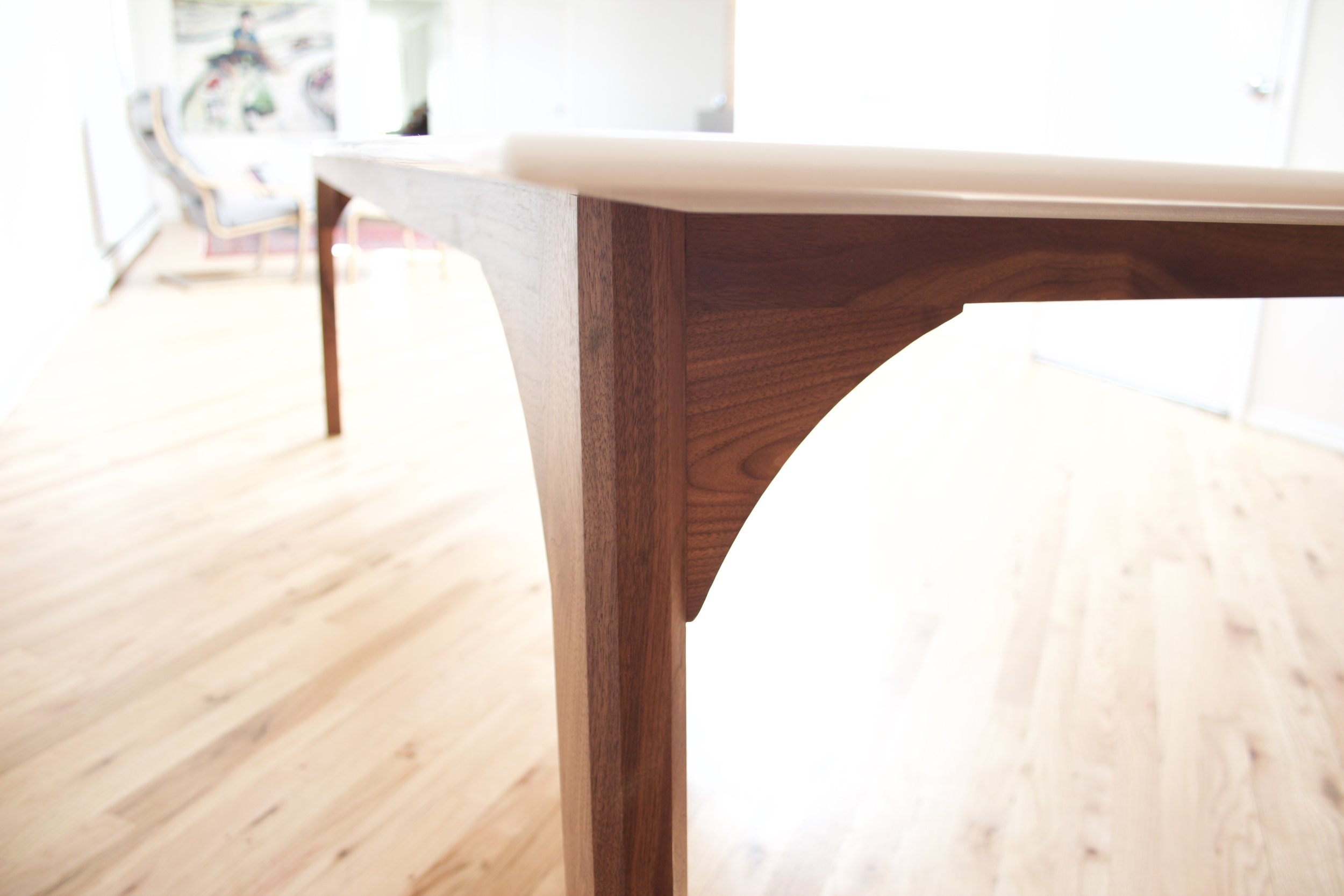 Marble_Walnut_Dining_Table_3.jpg