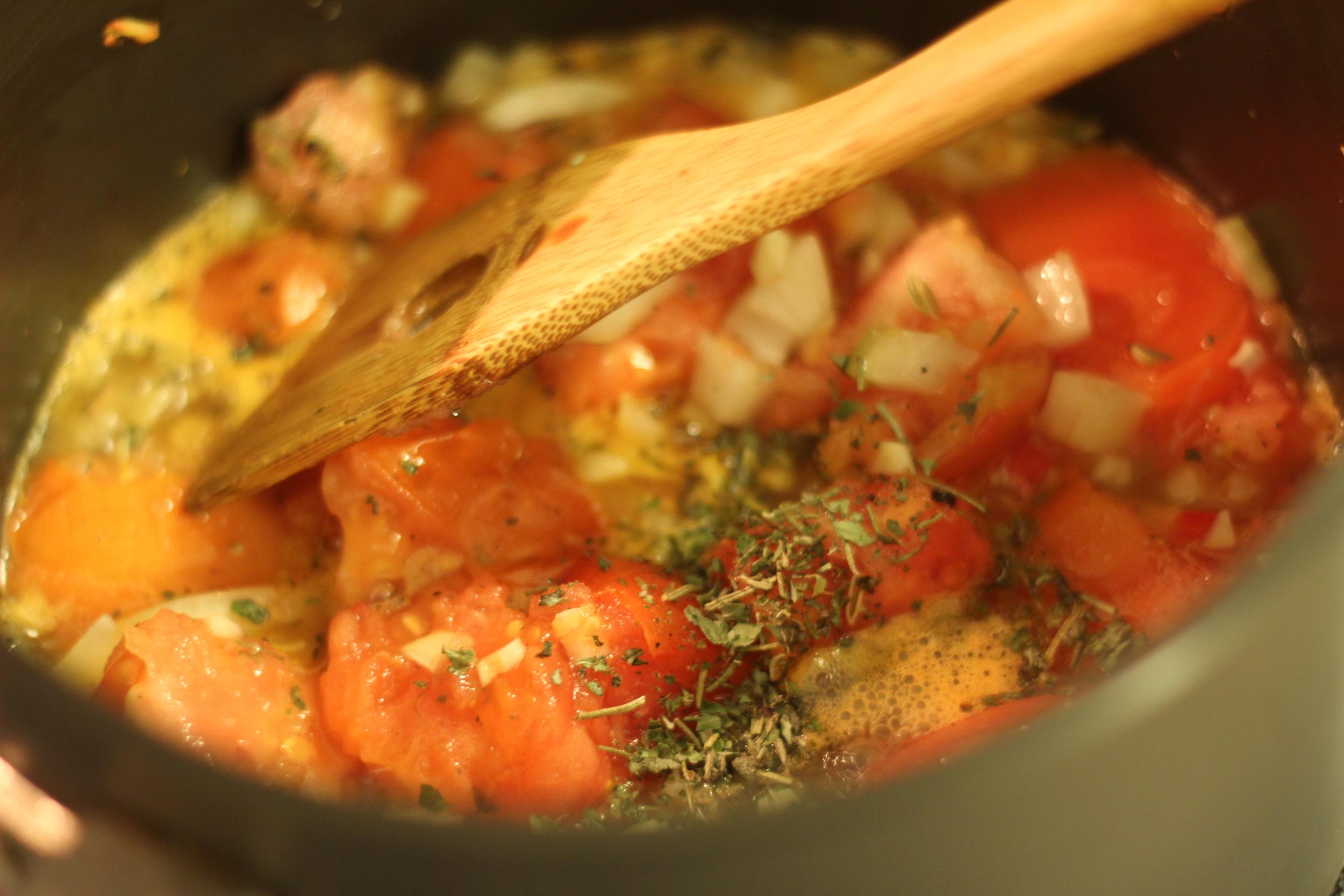 Fresh tomato sauce