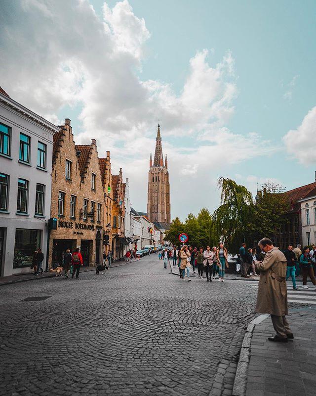 Bruges . . . . . .  #bruges #belgium #brugge #europe #brussels #antwerp #belgique #belgica #visitflanders #travelgram #eurotrip #flanders #thisbelgium #europa #visitbrussels #travelphotography #magicalplaces #leica #leicaq #leicaq2 #rainyday