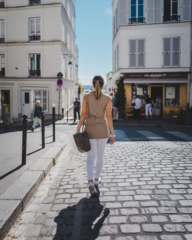 Strolling in Montmartre. . . . #montmartre #paris #eurotrip #stroll #walk #france #iledefrance #leica #leicaq #28mm #wifey #travel #travelphotography #dof #bluesky #oldworld #parisianstyle