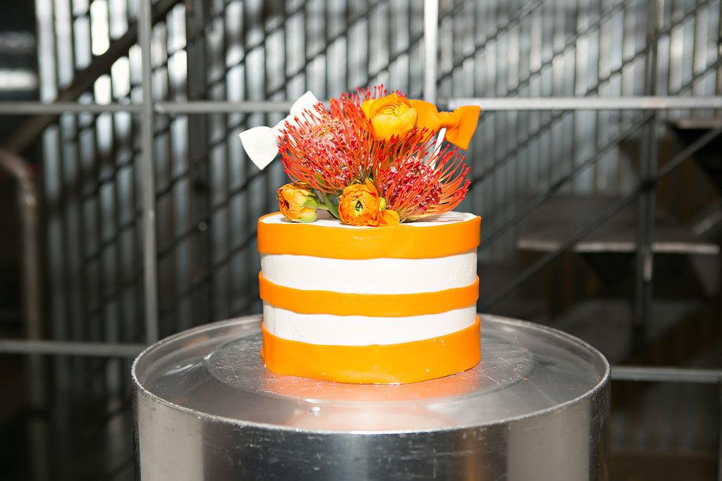 Scottsdale Wedding Single-Tiered Cake.JPG