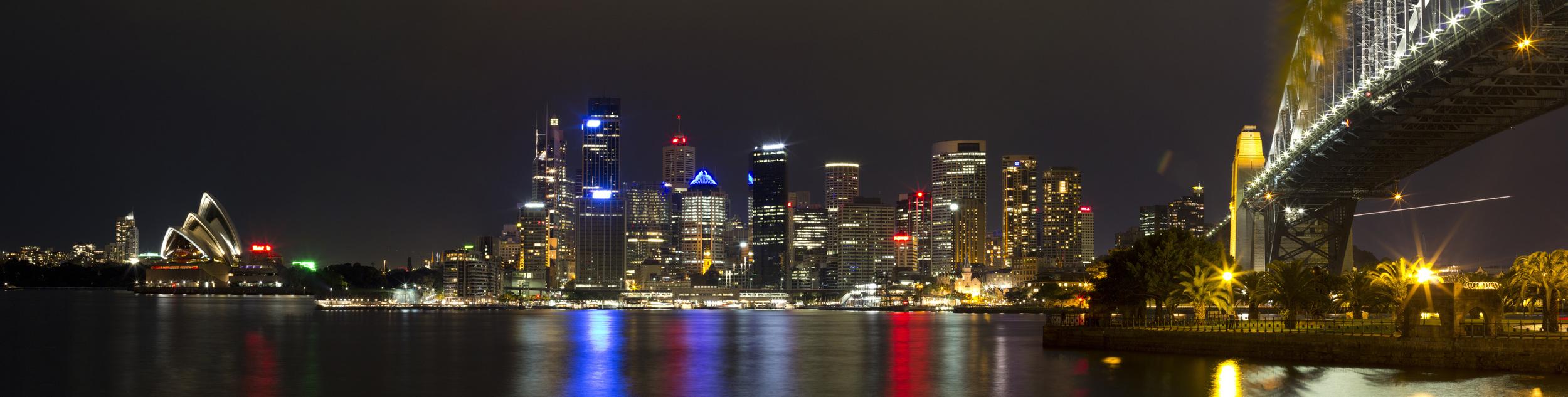 Sydney_Nighttime Harbor Bridge Opera House Lookout Panarama 5.jpg