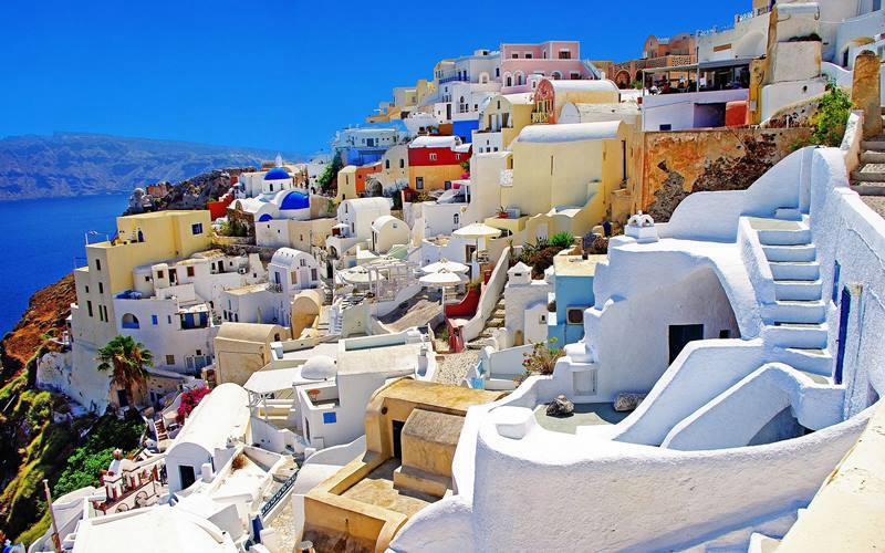 Santoirin-Caldera_off-the-beaten-tack-greece-sailing-charter-yacht-holiday-boat-skippered-mykonos-cyclades.jpg