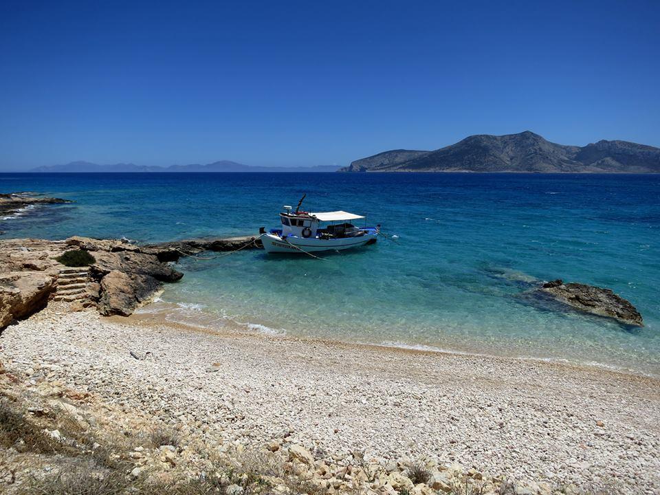 naxos-greece-santorini-port-boat-yacht-sailing-off-beaten-tack-med-tour-trip-mykonos-paros-ios-skipper-jimmy.jpg