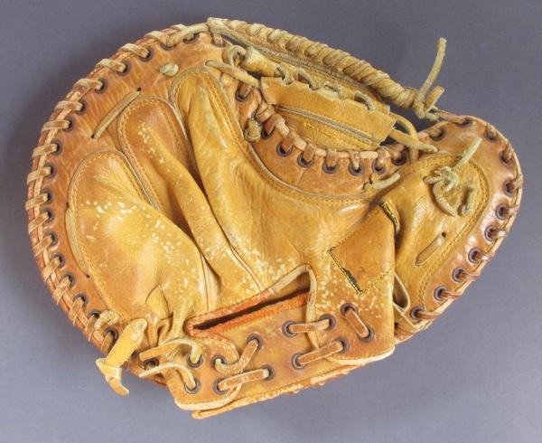 Sean-Kane-Yogi-Berra-Glove-Art-6.jpg