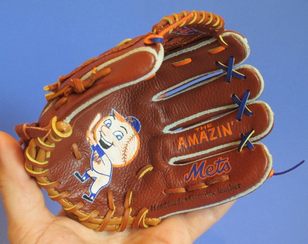 Sean-Kane-Mr-Met-glove-art-3.jpg