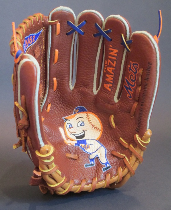 Sean-Kane-Mr-Met-glove-art-5.jpg