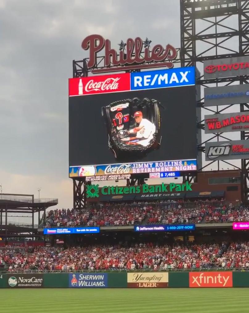 j-presentation-scoreboard-1.jpgSeanKane-JimmyRollins-Phillies-presentation-scoreboard-glove-art-1.jpg