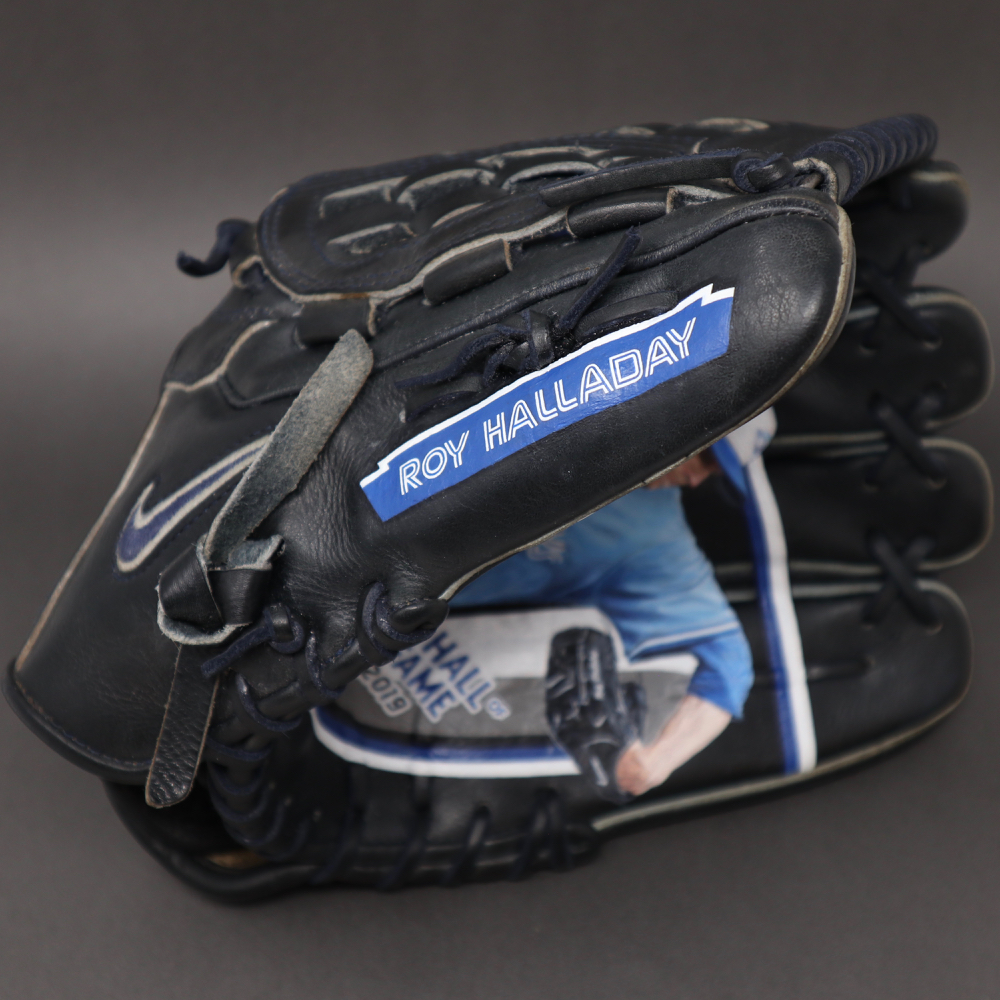 Sean-Kane-Roy-Halladay-Doc-Painted-Glove-8754.jpg