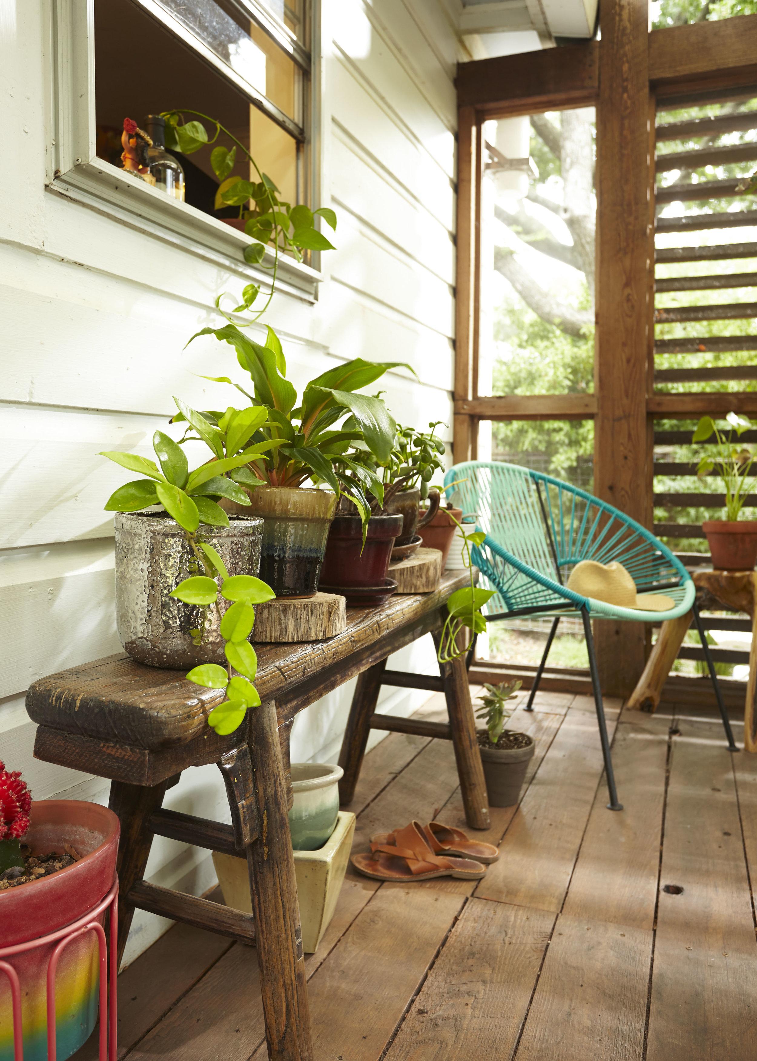 Melanie_Tarver_patio_bench.jpg