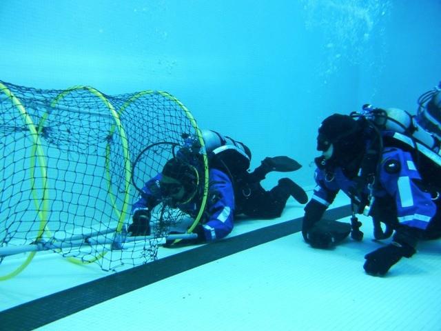 dive-instructor.jpg