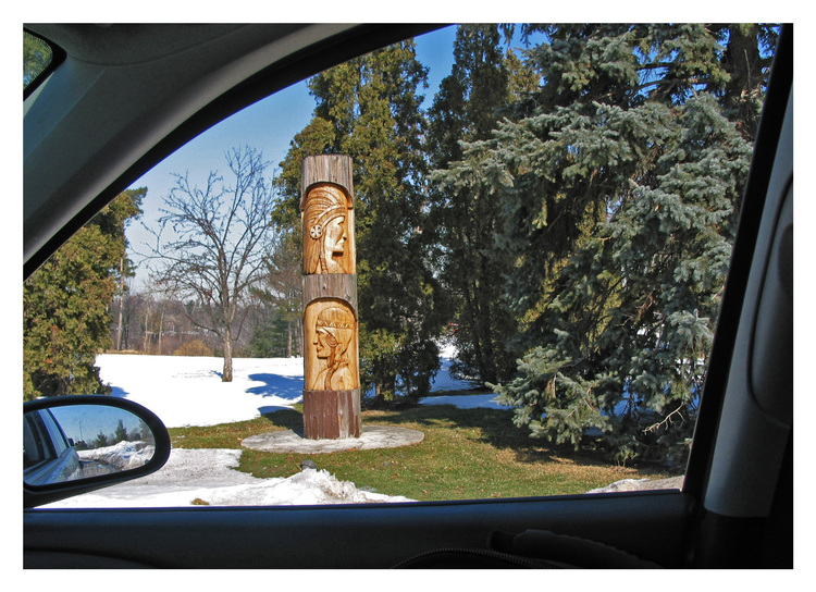 Mississauga, Ontario, Golf Club grounds, totem pole