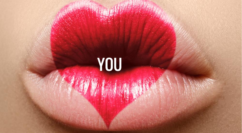 Der Postillion d'Amour schickt Beauty-Kisses! Wir schenken zu jedem Gutscheinkauf ab einem Wert von 100 € einen Original Clarins Lippenstift Joli Rouge oder Joli Rouge Brilliant. (Bei der Onlinebestellung einfach den passenden Lippenstift auswählen, er wird bei der Abrechnung dann wieder gutgeschrieben. Nur gültig bei Gutscheinkarten zum Versand oder zur Abholung, nicht bei Gutscheinen zum Druck oder Emailversand. Solange der Vorrat reicht.)   >>> BUY