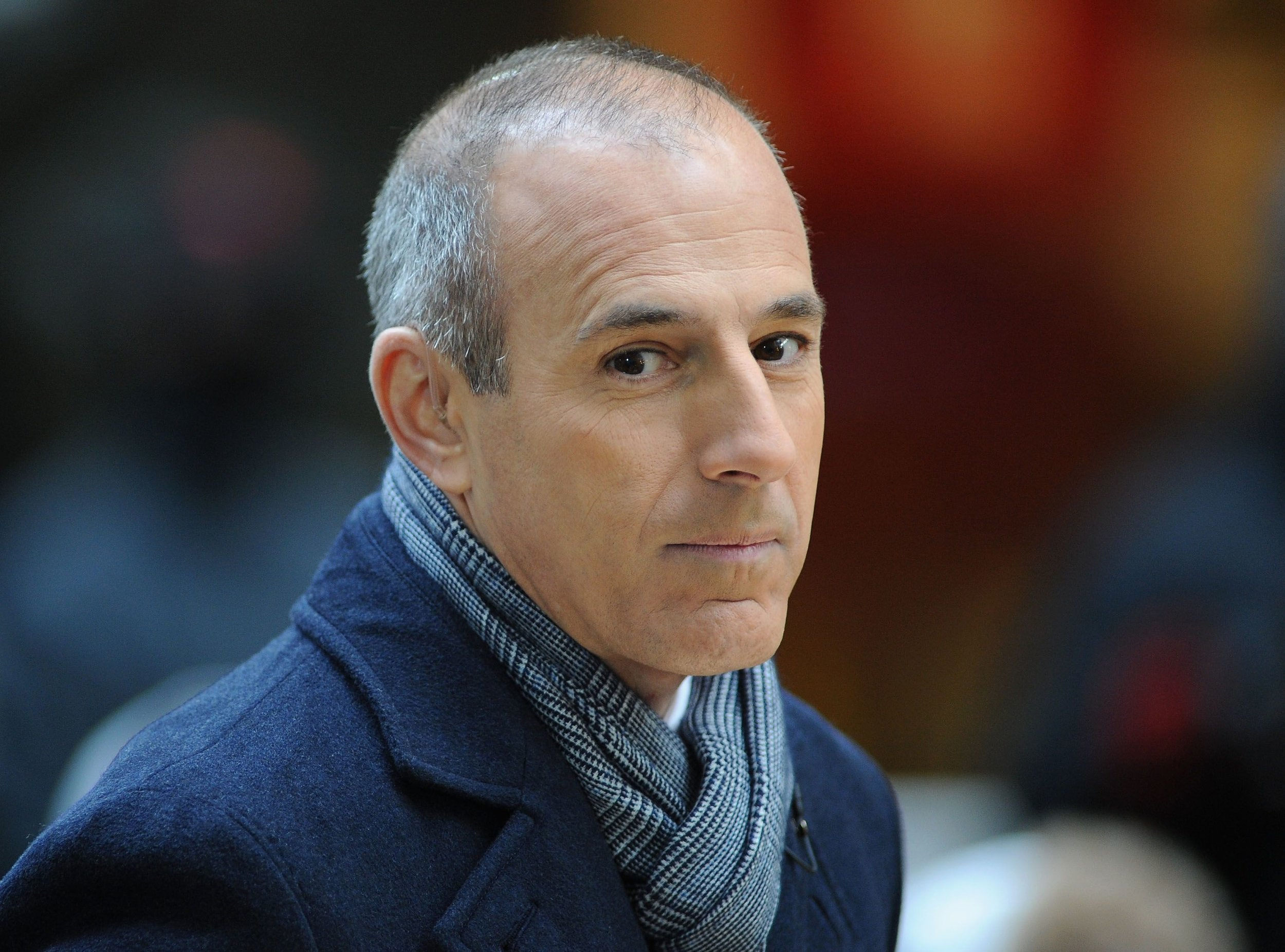 Yahoo:     Does Matt Lauer Look Different To You? Here's Why