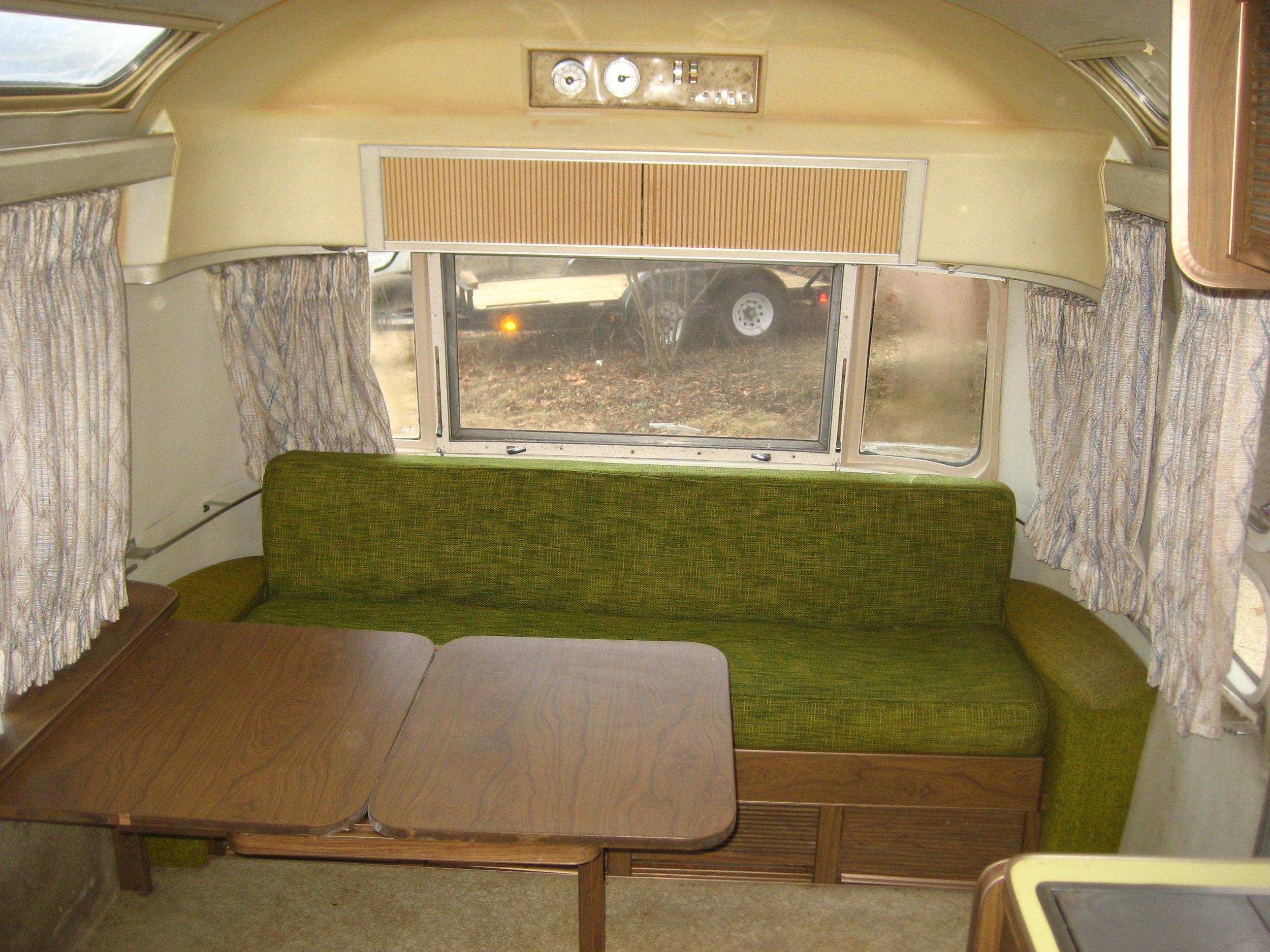 Airstream trailer_20080207_0938.JPG