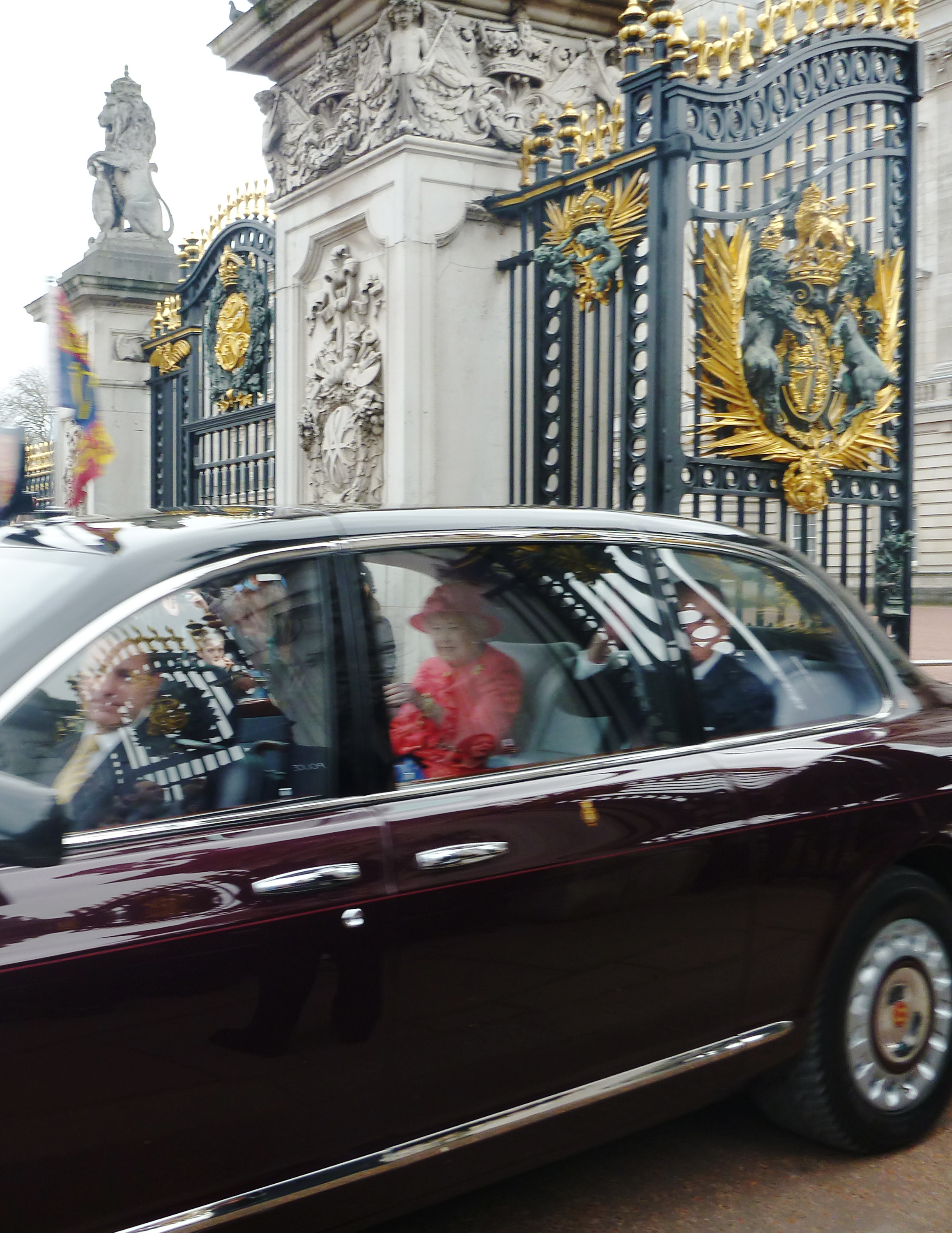 Buckingham Palace: The Queen of England