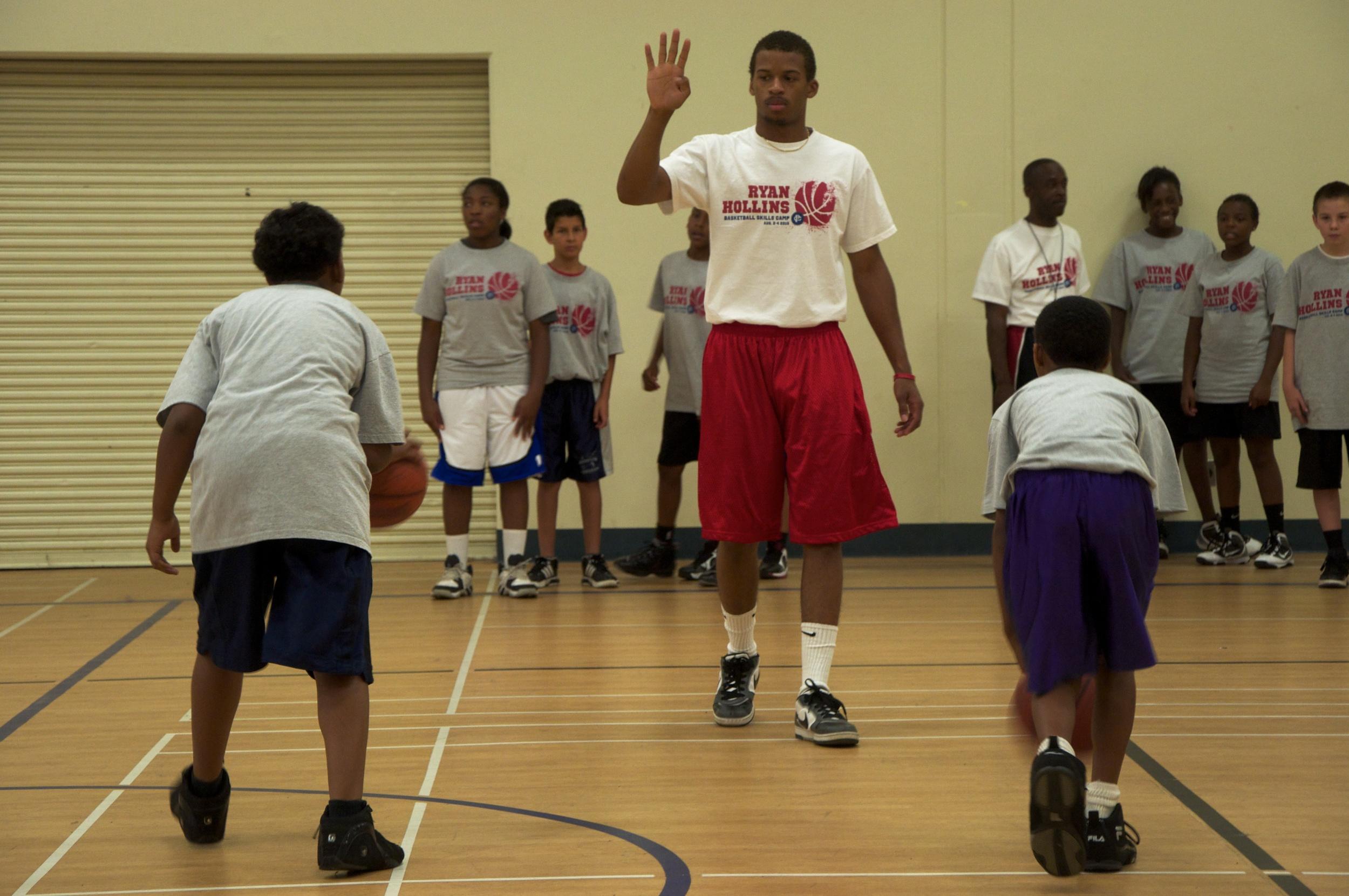 Ryan Hollins Basketball Camp 2.jpg