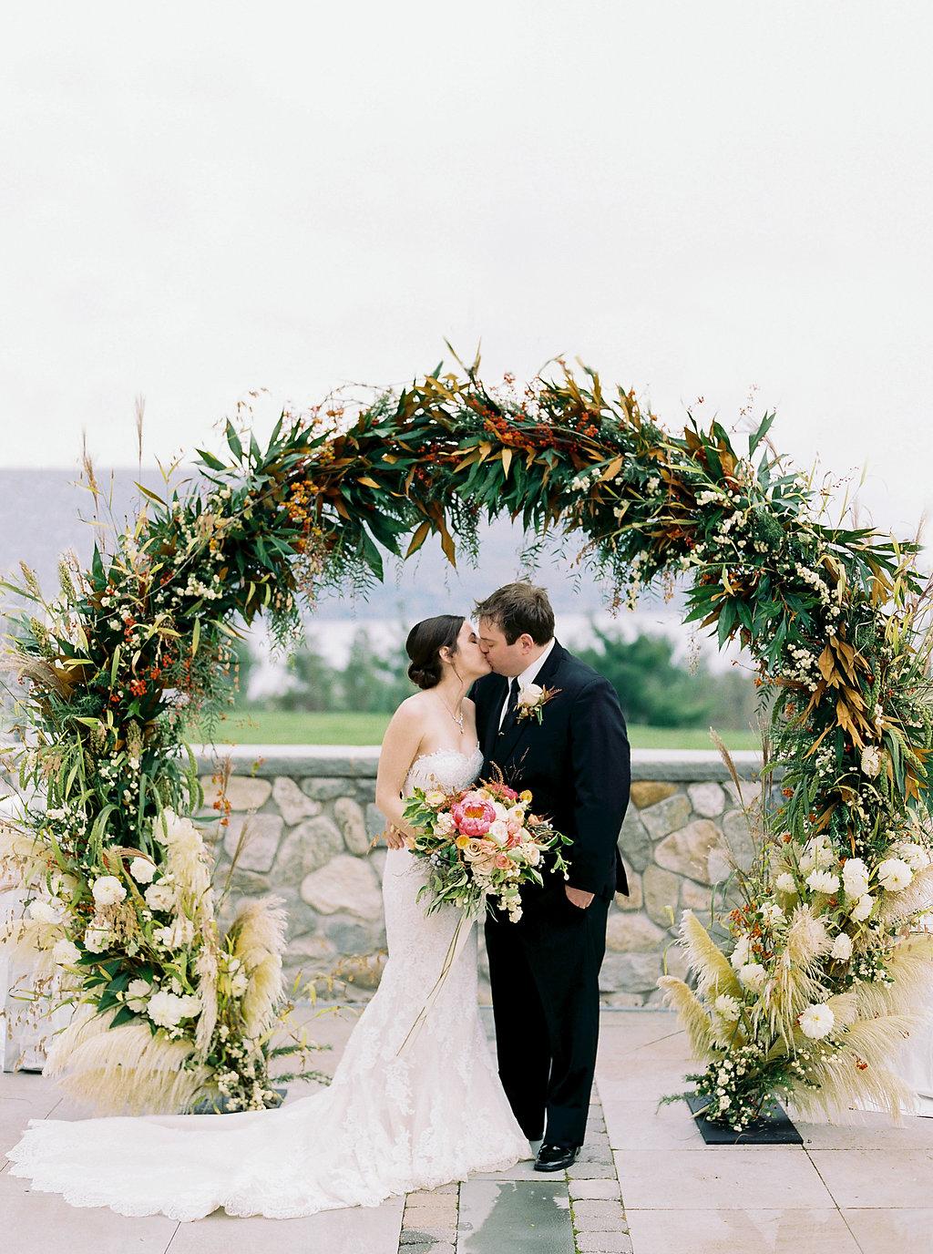 Alexandra-Elise-Photography-Ali-Reed-Nicole-Derek-Bristol-Harbour-Wedding-Highlights-034.jpg