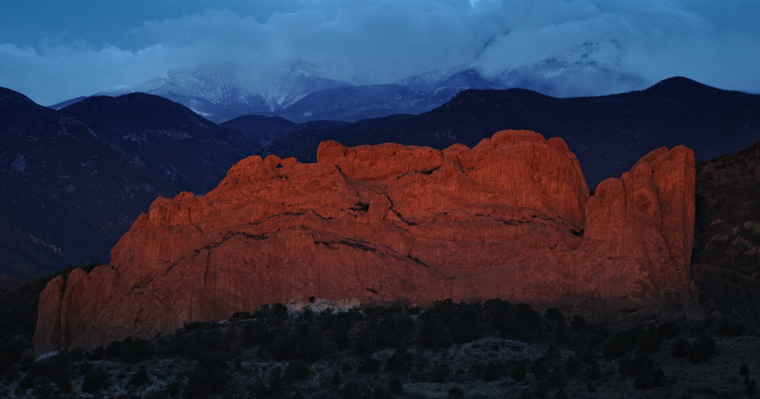 ©Doug Bennett Photography - Garden of the Gods Morning Glow