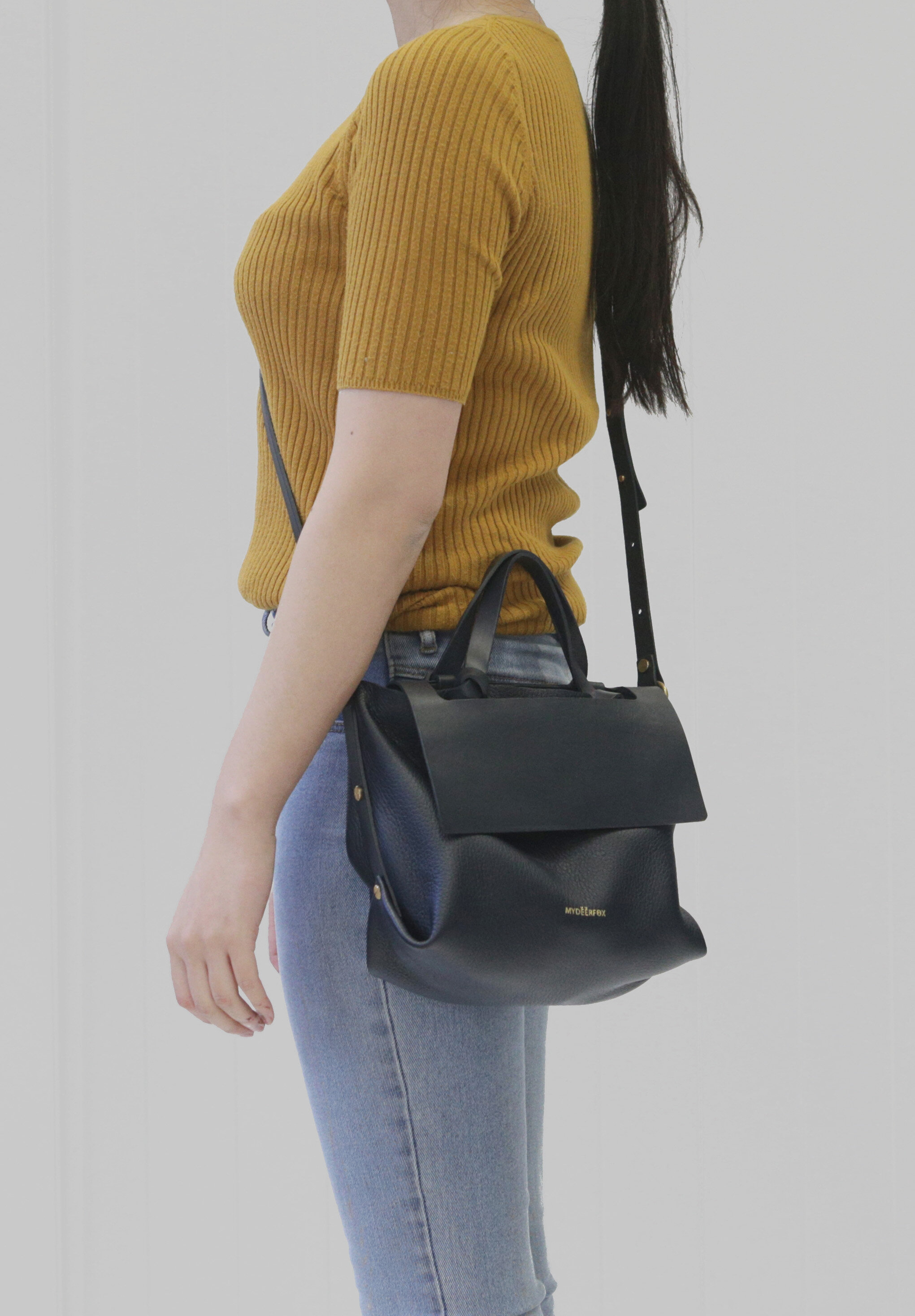 11_KNOTTED TOTE B (PEBBLED)