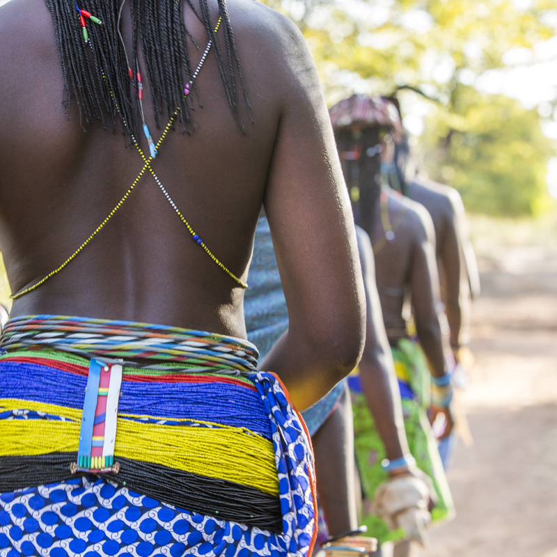 A group of Mucawana women on their way to Soba.  Cunene Provence ©24Atlantic