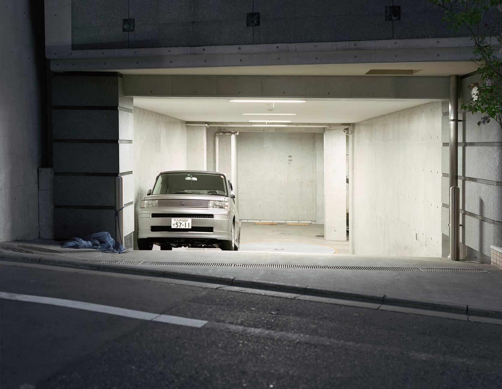 Bil-i-garage-copy.jpg