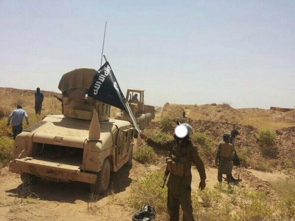 US Humvee from   Mosul   in hands of ISIS via   jenanmoussa