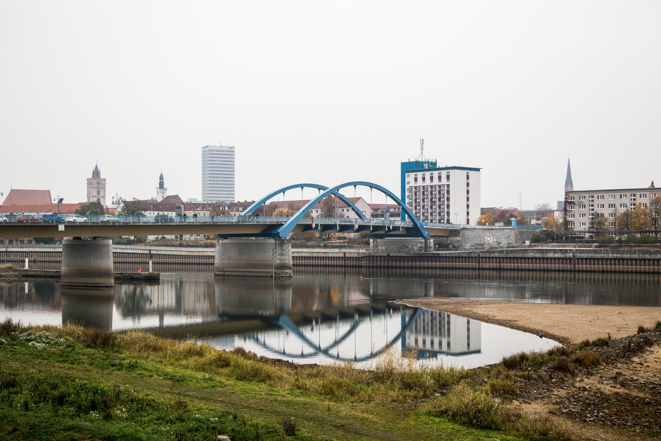 Once one of Europe's most contested frontiers, the   Oder   bridge links the eastern German city of Frankfurt with its twin on the Polish side, Słubice.