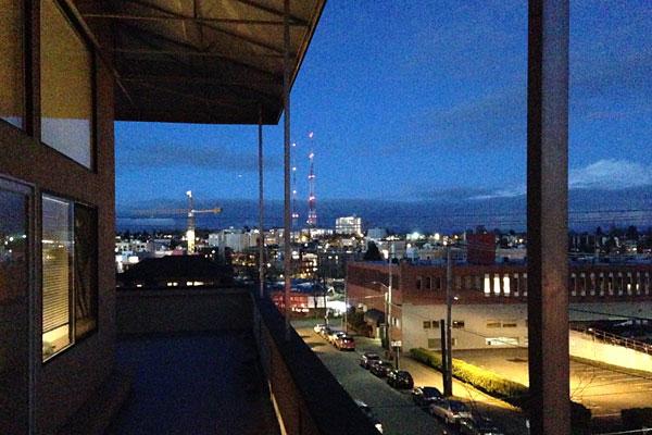 hilltop_neighbor_night1.jpg