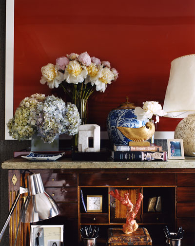 Scene 5  Published in  New York Apartments, Private Views  by Jamee Gregory.  Home of designer  David Netto