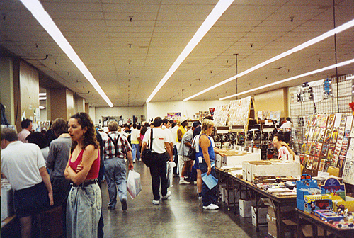 San Diego Comicon show floor from 1985 - different from a comic's life today in 2017 with webcomics and the like.