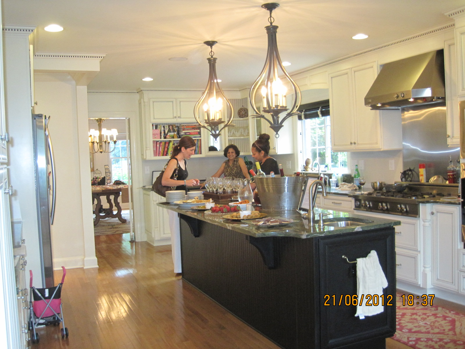 another home party kitchen.JPG