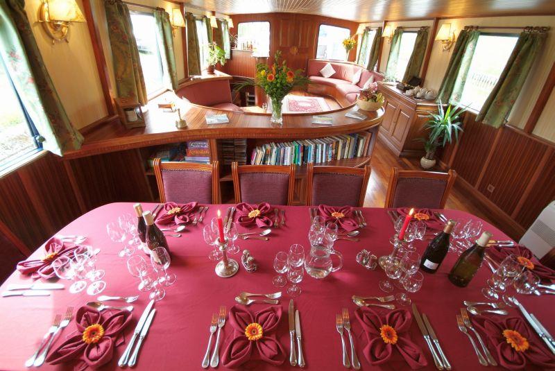 la-belle-epoque-dining-table-saloon.jpg