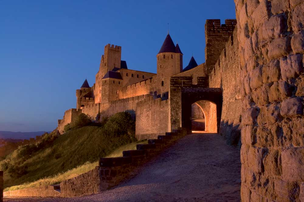 Cite-of-Carcassonne-at-night.jpeg