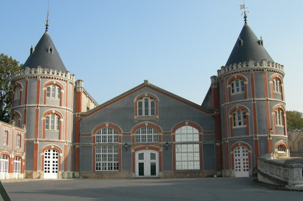 champagne-pommery-house-is-perfectly-restored-and-maintained-its-twin-turrets-draw-you-in-for-tasting.jpg