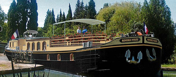RDV barge.jpg