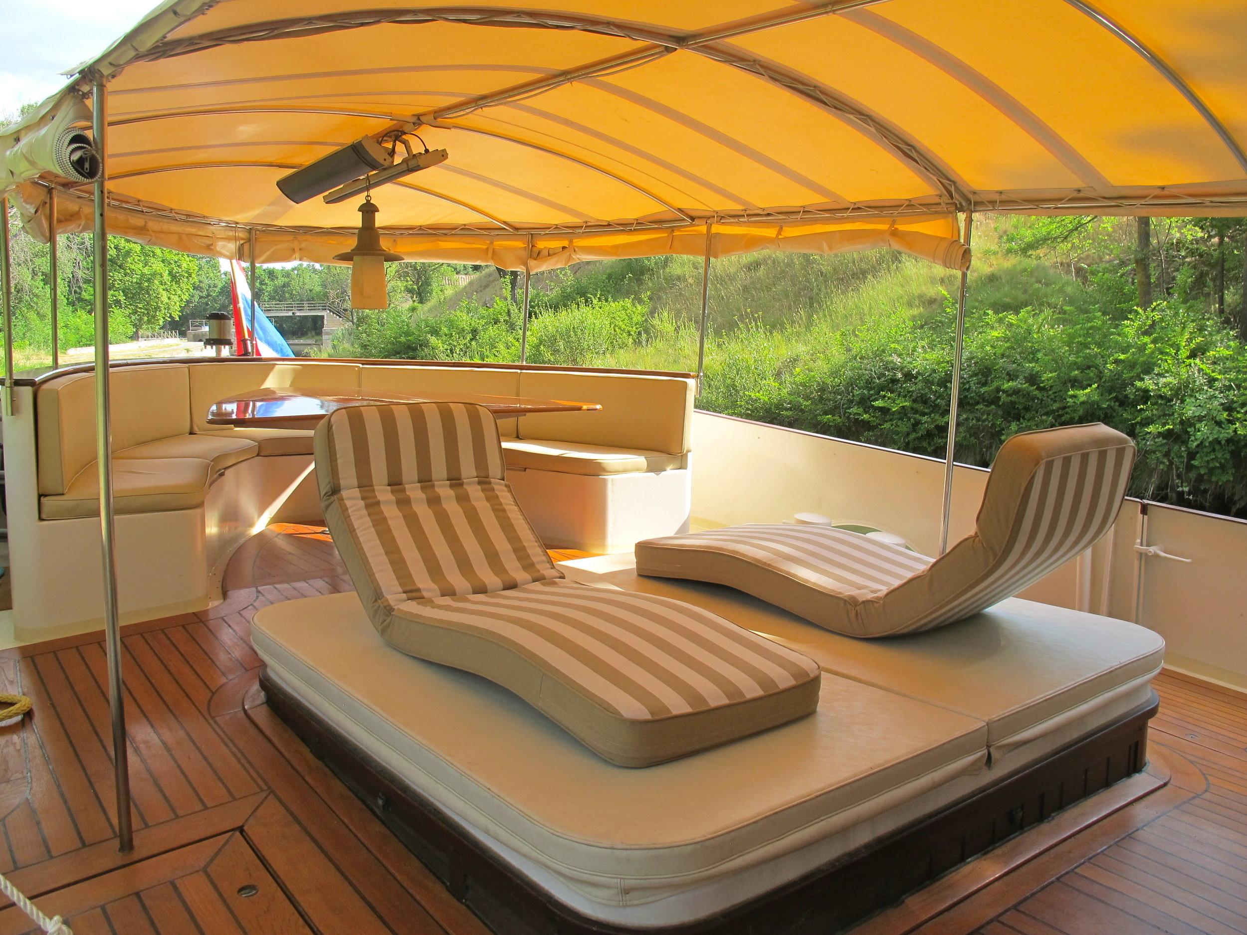 Roi Soleil 2.2 Lounge Beds Aft _8234.JPG