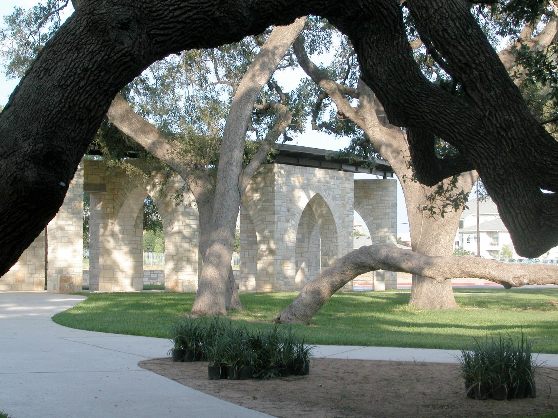 arches under bows.jpg
