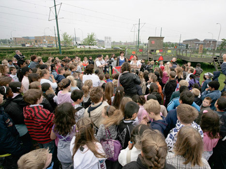 We vertrekken vanaf OBS De Notenkraker, Ypenburg nadat we door de leerlingen uitgezwaaid zijn.