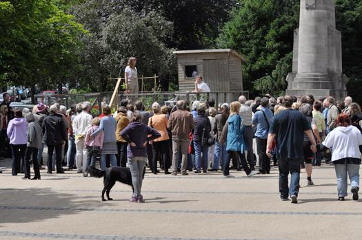 Presentatie op Mobiele volkstuin in Nerotal park tijdens opening.