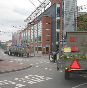 13 juni 2010 - Overnachtingsplek Arnhem     Vandaag rustig over provinciale weg naar Arnhem gereden, we hebben alle tijd. We rijden flink door en zijn redelijk op tijd om in Arnhem aan te komen.