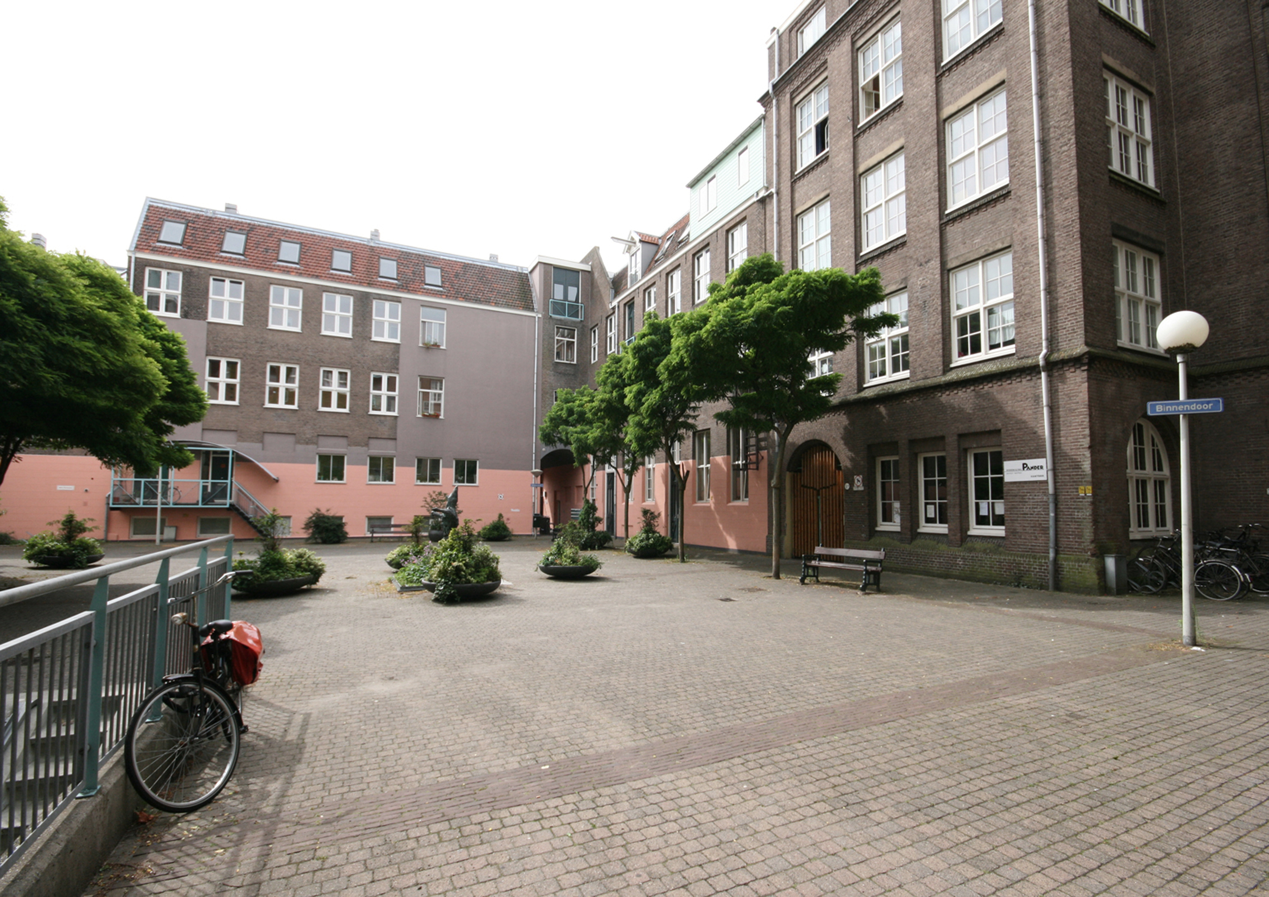 1.Panderplein leeg.jpg