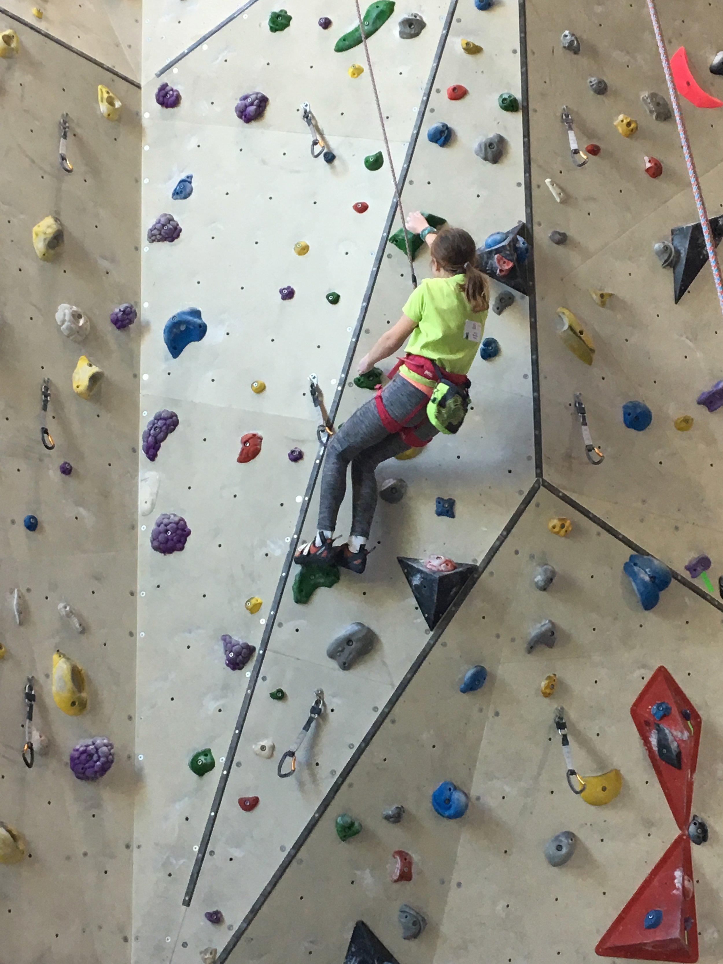 Tekmovanje v športnem plezanju za osnovne šole_Grif_29.jpg