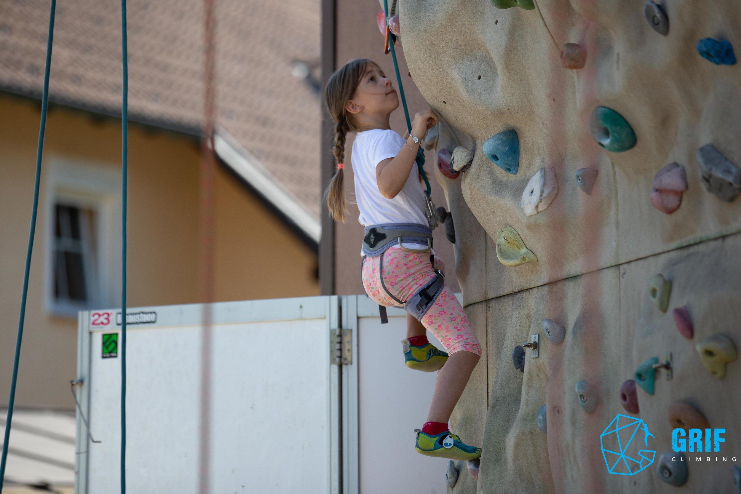 Aktivno počitniško varstvo za otroke Plezalno društvo Grif46.jpg