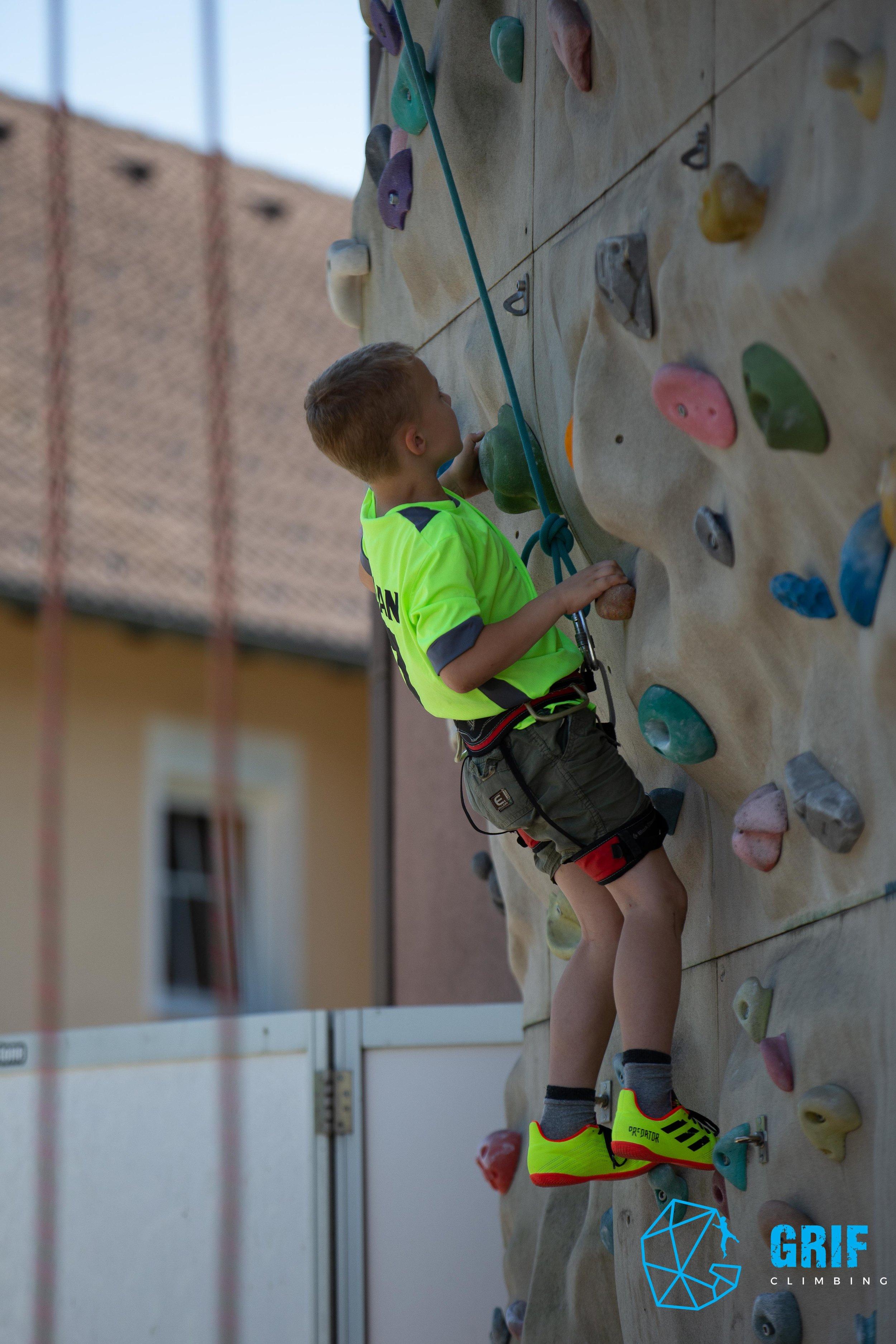 Aktivno počitniško varstvo za otroke Plezalno društvo Grif52.jpg
