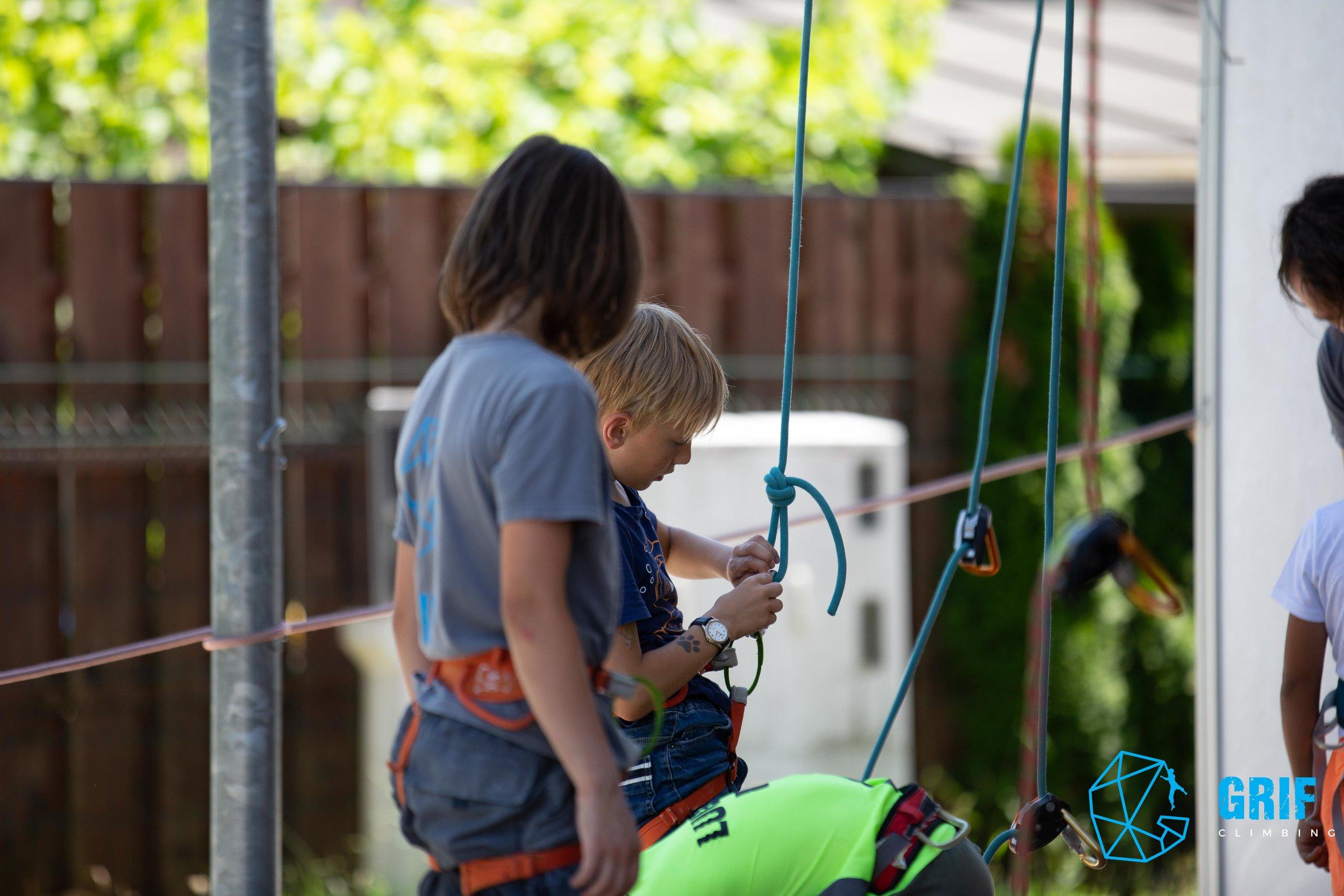 Aktivno počitniško varstvo za otroke Plezalno društvo Grif60.jpg